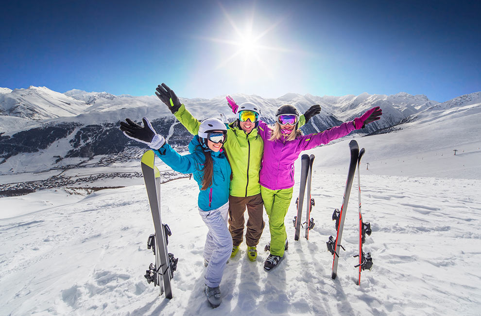 leisure group vacation planning to Whistler Blacksomb. Includes Ski or snowboard group, Wedding, Hockey team, golf group, dragon boat team, Family reunion